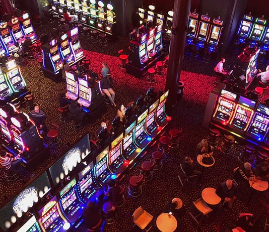 Kasinot-käyttävät-tuoreimpien-uutisien-mukaan-kolikkopelien-ääniä-pelaajien-manipulointiin